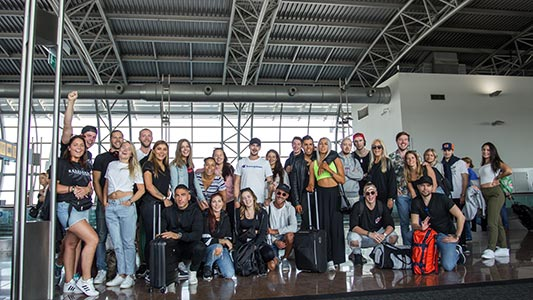 Coretours resenärer på Tomorrowlands flygplats