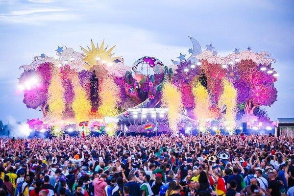 Easy Tent fotografi på Tomorrowland